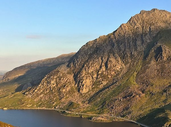 The Best Tryfan Hiking Route | Snowdonia | thefrozendivide