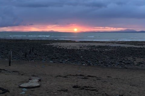 Llandanwg Beach Sunset Timelapse | The Frozen Divide